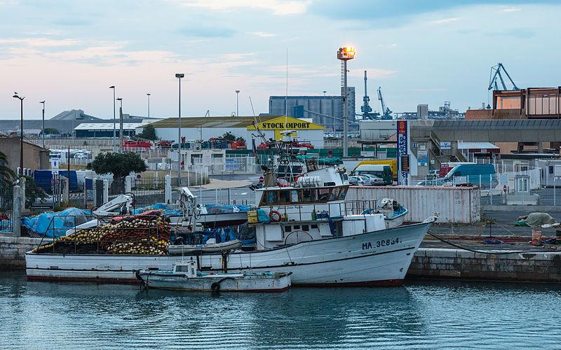 Fishing_vessel,_Sète,_Hérault_01 copie